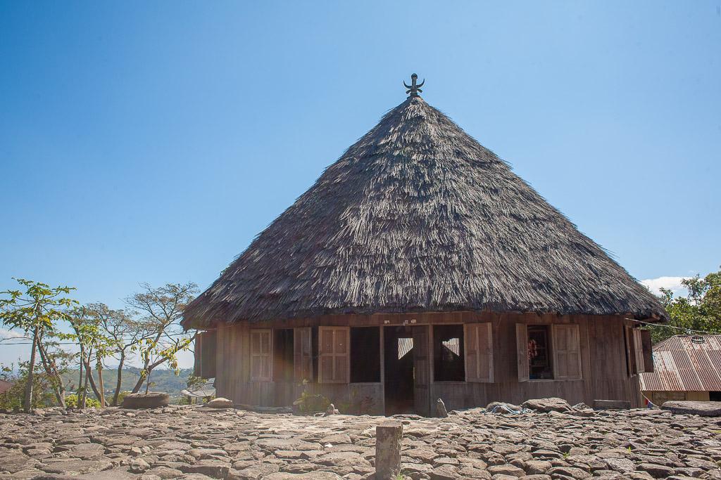 Compang Ruteng, salah satu desa tradisional yang masih bertahan.