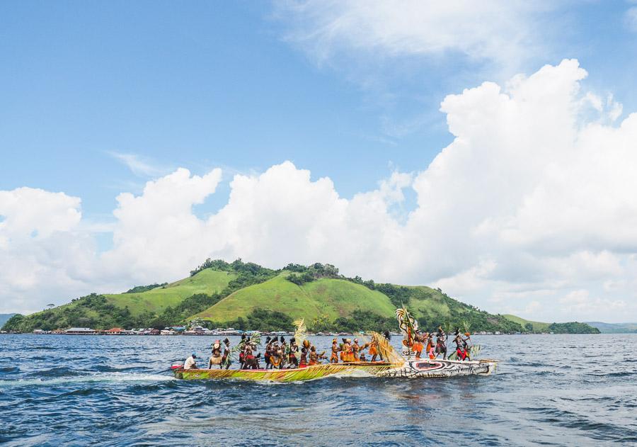Tarian Isosolo di Festival Danau Sentani 2015