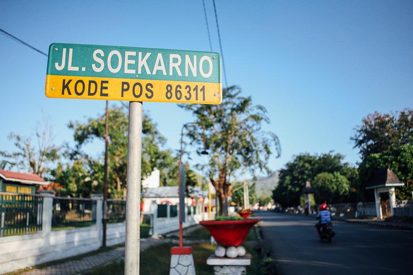 Jalan Soekarno di Ende.