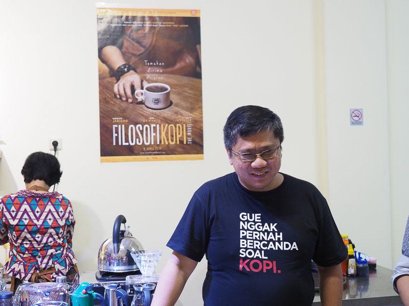 Kalau kamu pecinta kopi, jangan lewatkan kedai kopi milik salah satu advisor dalam film filosopi kopi. Kamu bisa belajar ngeracik kopi disini!