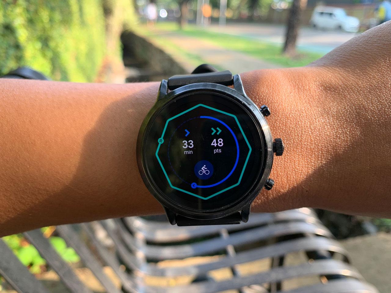 review fossil gen 5 smartwatch cantik